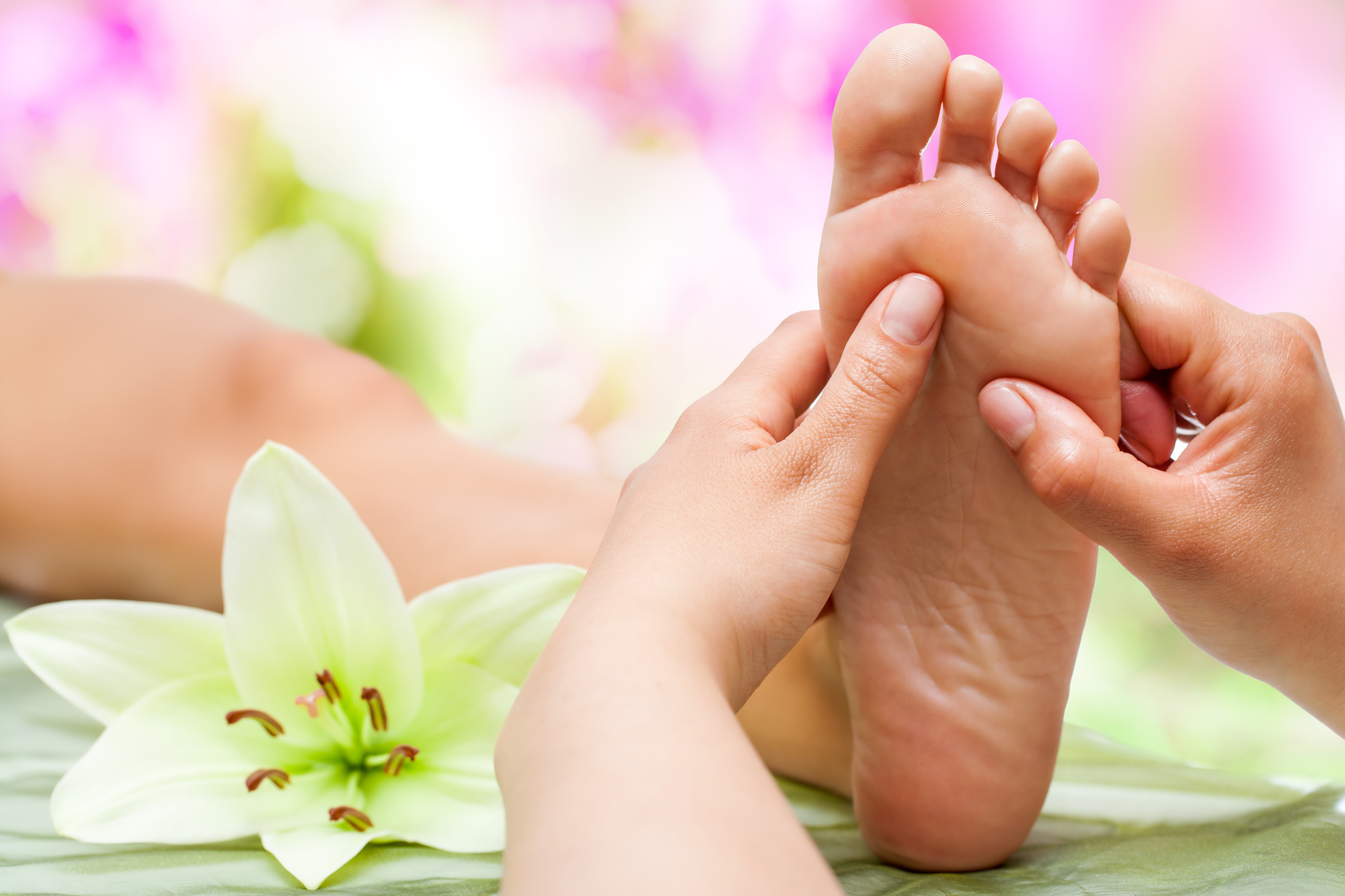 Say Goodbye to Stress: How Reflexology in Bristol Can Help